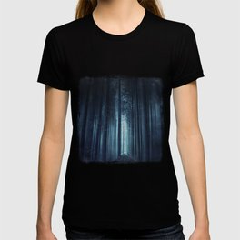 worse dream - spooky forest scenery with bird T-shirt