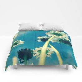 Freedom of summer Comforters