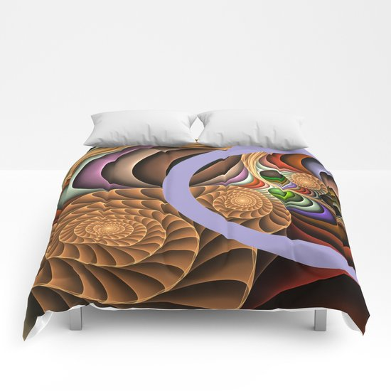 Pattern in motion, fractal geometric art Comforters