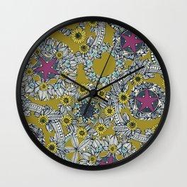cirque fleur jalapeno grape star Wall Clock