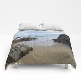 Turquoise Waves Crashing on Porthmeor Rocks Comforters