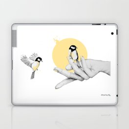 A bird in the hand Laptop & iPad Skin