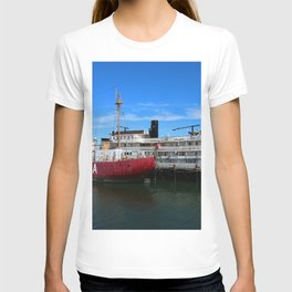 Riverboat Legacy and Fireship Columbia on Columbia River T-shirt
