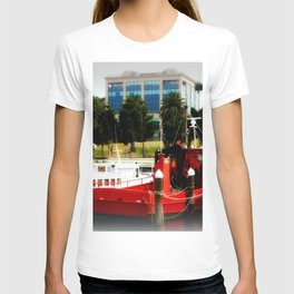 Little red tug Boat T-shirt