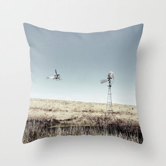 Dustoff downunder - Villenvue, QLD Throw Pillow