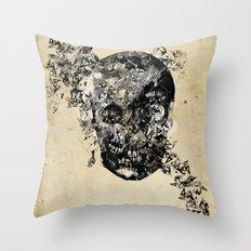 skull crystallisation Throw Pillow