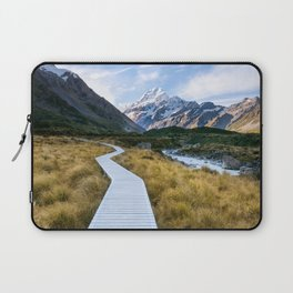 Mt.Cook New Zealand - A hikers dream Laptop Sleeve