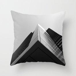 Kē Strēt. Throw Pillow