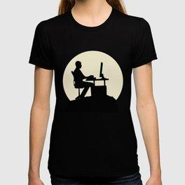 Fantastic Gamer And Moon Design T-shirt