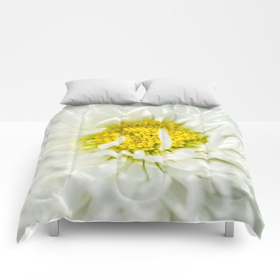 White English Daisy Flower Comforters