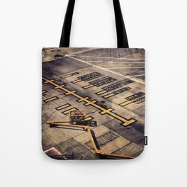 gate 1a Tote Bag