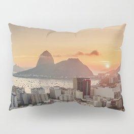 View over Botafogo towards the Sugarloaf Mountain at sunrise, Rio de Janeiro, Brazil Pillow Sham