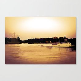 Golden beauty on water Canvas Print