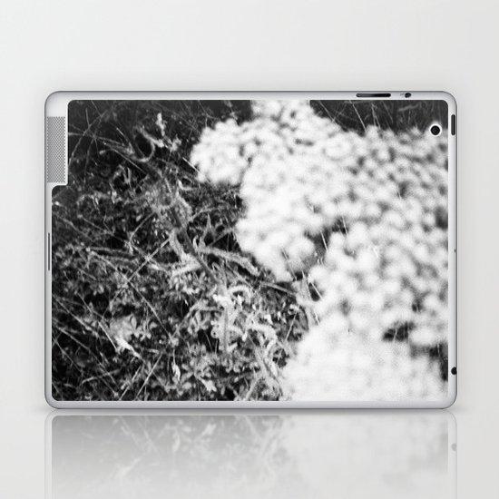 La Bonheur Laptop & iPad Skin