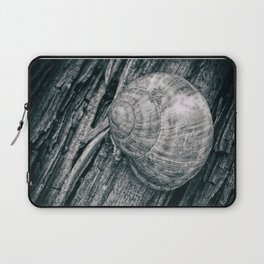 Time in a shell Laptop Sleeve