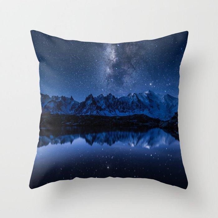 Night mountains Throw Pillow