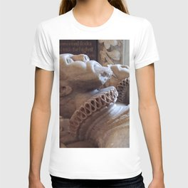 Monument To Thomas Wentworth And Margaret Gascoigne Vector T-shirt