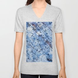 Blue Tone Quartzite Detail with Marble Effect Unisex V-Neck
