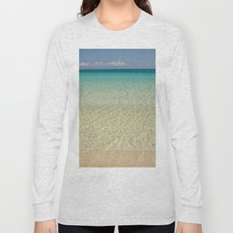 Crystal clear turquoise shaded waters of a sandy beach Long Sleeve T-shirt
