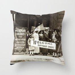 Suffrage Envoy Photograph (1915) Throw Pillow