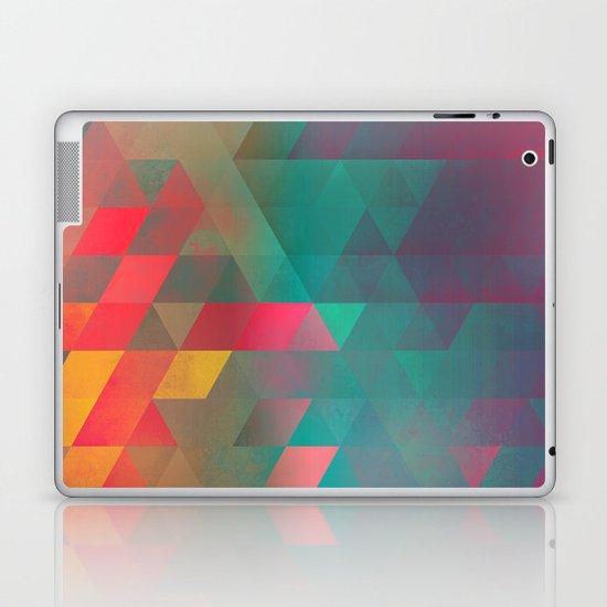 byych fyre Laptop & iPad Skin