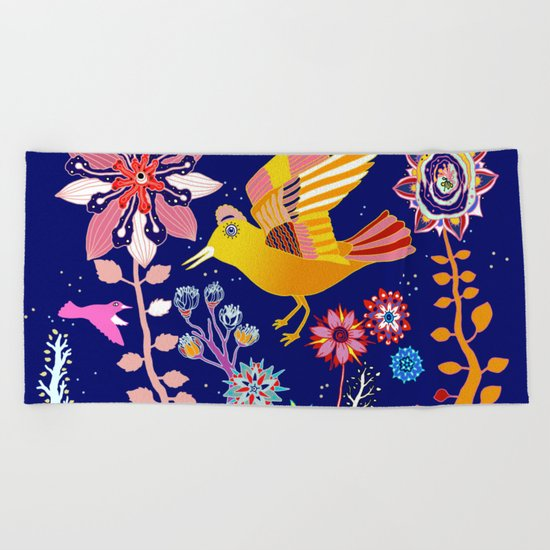 dreamy flora Beach Towel