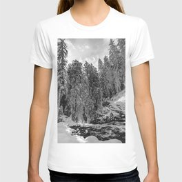 Oregon Adventures Black and White - Nature Photography T-shirt