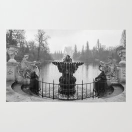 Fountains in Kensington Park of London, England Rug