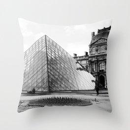 Pyramide de Louvre Throw Pillow