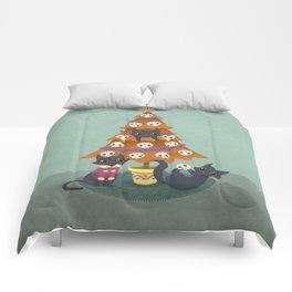 Meowy christmas sugar skulls Comforters