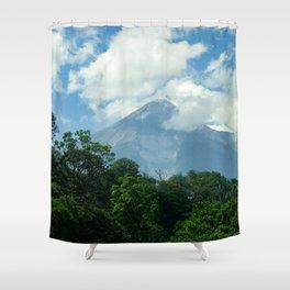 Coloso en calma Shower Curtain