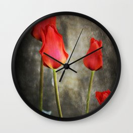 tulipes rouges Wall Clock