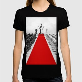 Wedding Chess / 3D render of checkmating ceremony T-shirt