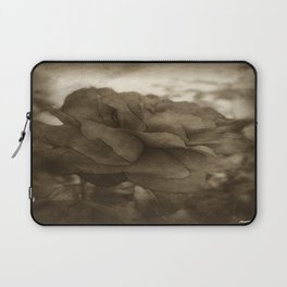 Red Rose Edges Antiqued Laptop Sleeve