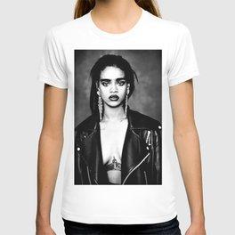 RIHANNA RIRI T-shirt