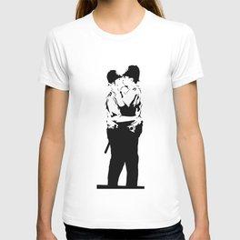 Banksy Policemen Kissing T-shirt