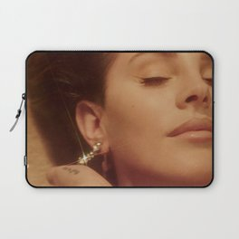 Smack dab in the middle of Hollyweird Laptop Sleeve