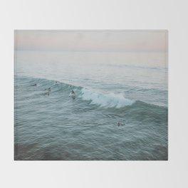 lets surf v Throw Blanket