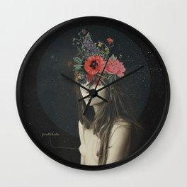 mujer florero Wall Clock