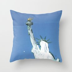gestrichen Throw Pillow