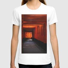 Senbon Torii - Fushimi inari shrine T-shirt