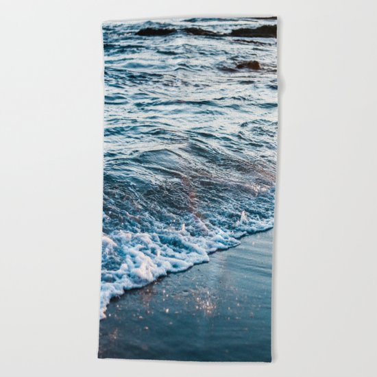 Beautiful ocean waves Beach Towel