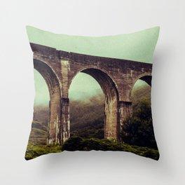 SCOTLAND / Glenfinnan (Viaduct), Highlands / 01 Throw Pillow
