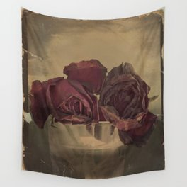 The veins of Roses Wall Tapestry