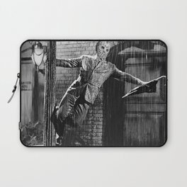Jason Vorhees sings in the rain Laptop Sleeve