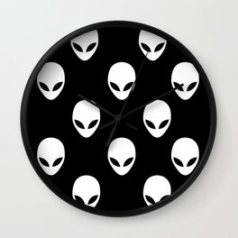 I want to Believe Wall Clock