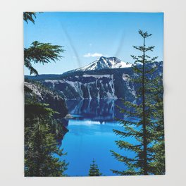 Crater Lake // Incredible National Park Views of the Dark Blue Waters Sky and Mountains through the Throw Blanket