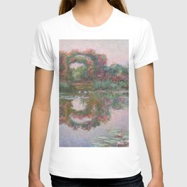 FLOWERING ARCHES IN GIVERNY - MONET  T-shirt
