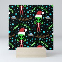 I Want to Believe in Santa Mini Art Print