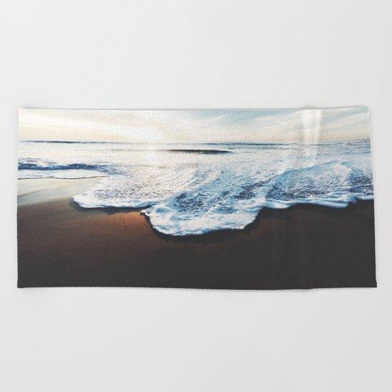 Walk into the sun Beach Towel